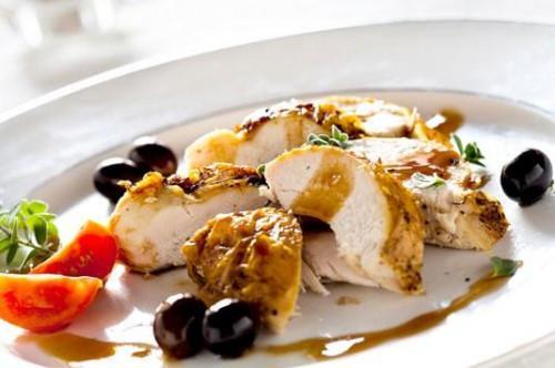 Receta para el Mediterráneo-pollo picantes con aceitunas