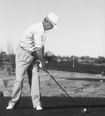 Cómo parar de rebanar la pelota de golf