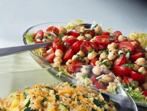 Cómo hacer tomate y garbanzo Ensalada de Frijoles