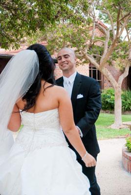 Cómo fotografiar First Look de la pareja antes de la boda
